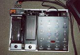 Controladora Bradshaw, wha Vox, volumen Roland y afinador TU-12