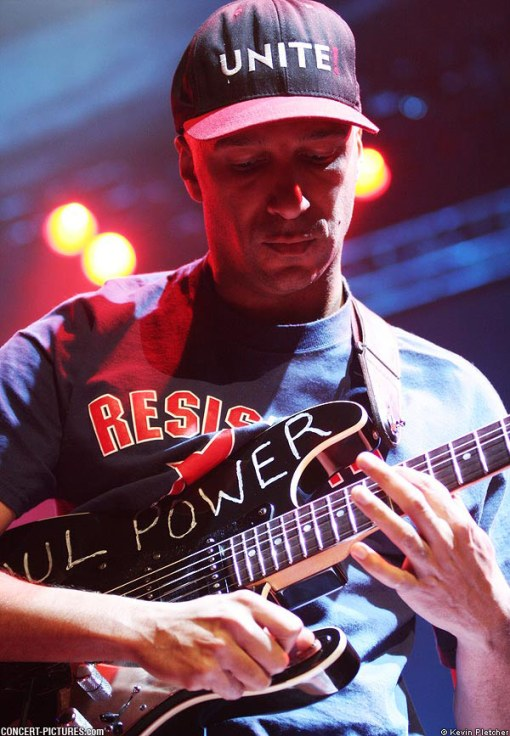 "Tom utilizando el kill-switch en la ""Soul Power"" Strat"
