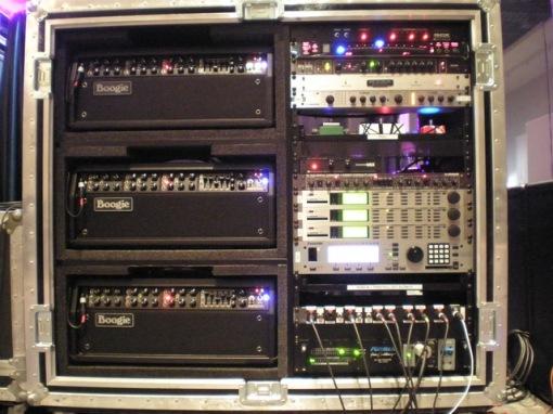 Rack de la gira: Mesa Boogie, TC Electronics M3000, Eventide 7600...