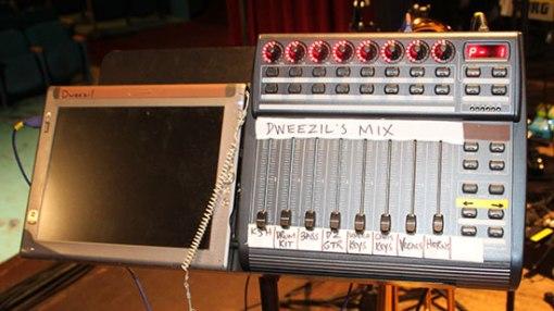 Control para la mezcla de monitores
