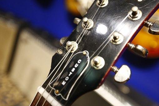 Cuerpo de caoba ligera y mástil más delgado para ser igual que el mástil modificado de Clapton. 100 unidades para todo el mundo a $14.999