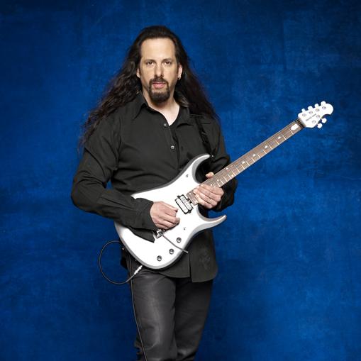 John Petrucci con su JP13