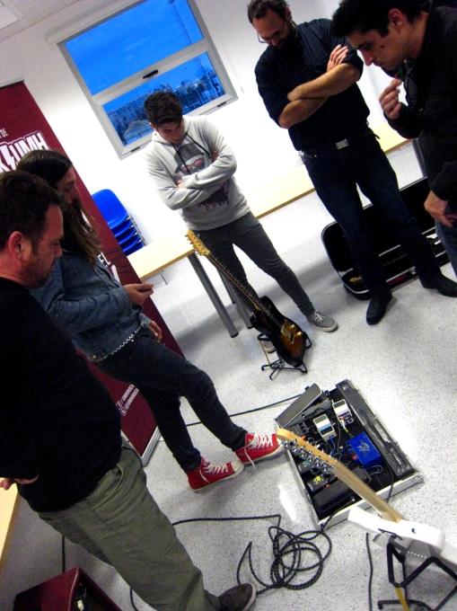 Los pedales Thundertomate también fueron objeto de curiosidad