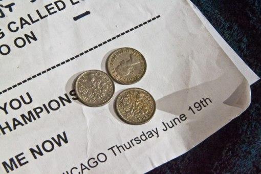 Monedas que Brian May utiliza como púas