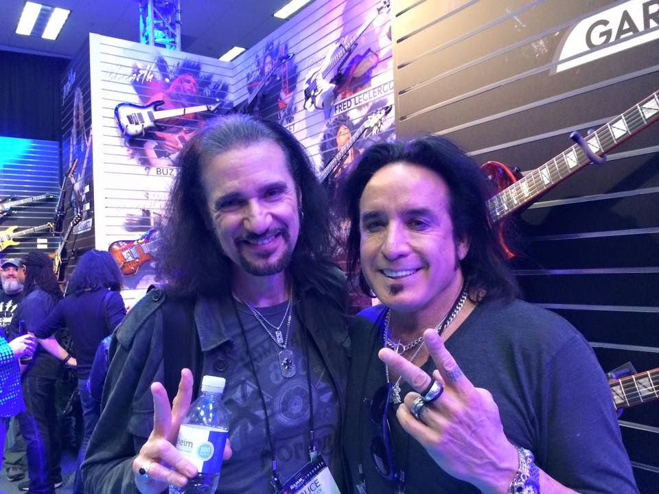 Marco Mendoza y Bruce Kulick
