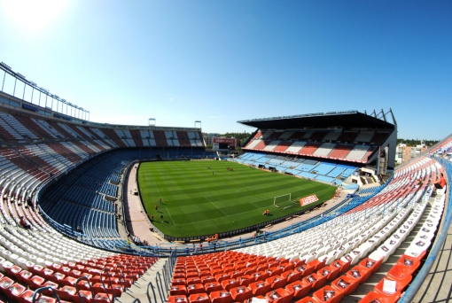 Vicente_Calderón_Stadium_by_BruceW.jpg