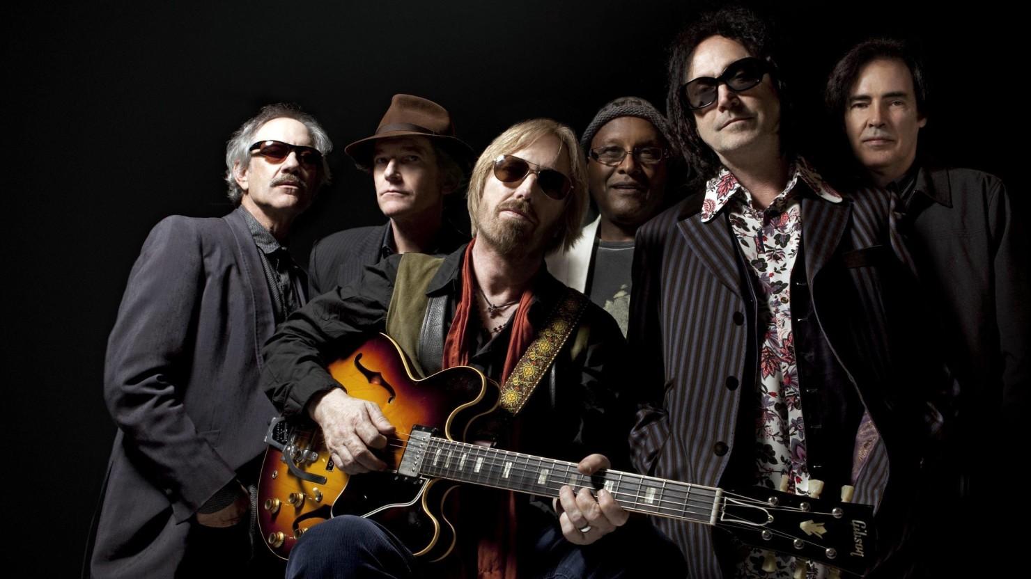 Tom-Petty-The-Heartbreakers-Press-Crop-mary-ellen-matthews-1480x832.jpg